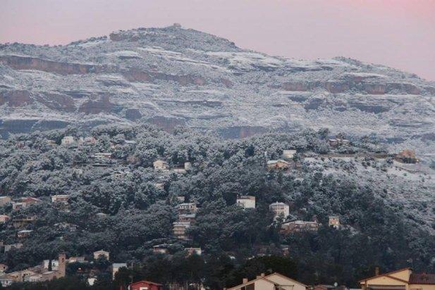 Imatge de La Mola nevada