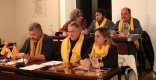 L'oposició va lluir bufandes grogues en el ple. En la imatge, ERC i PDeCAT