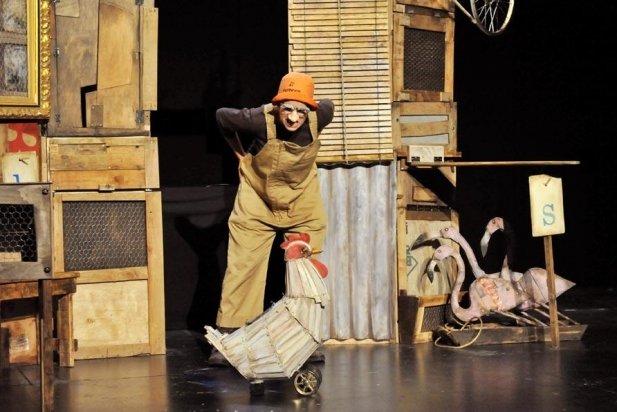 Moment de l'espectacle de Zum Zum Teatre, 'La gallina dels ous d'or'
