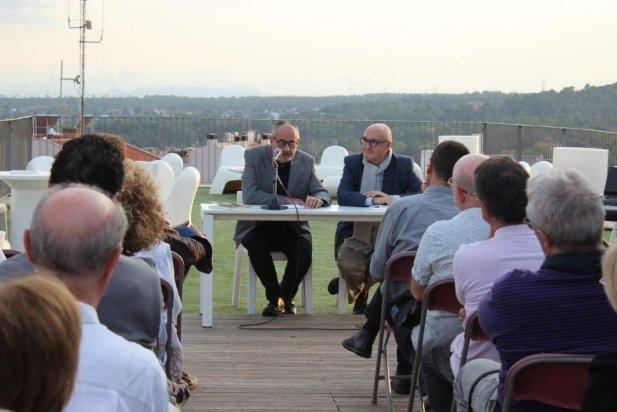 J.Sellent (esq), i F.Torrents (dreta), a la presentació del llibre sobre Abarcat_617x412
