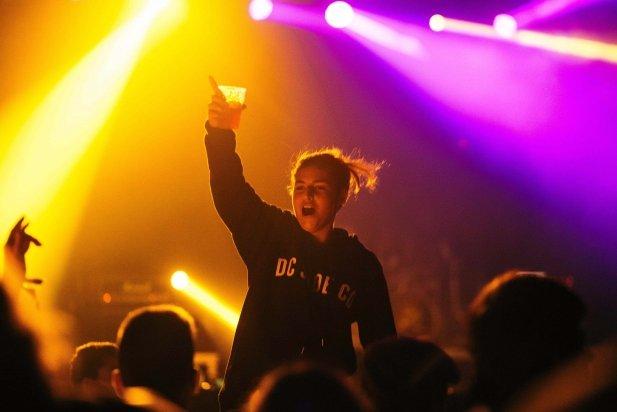 L'ambient durant un dels concerts a Vilabarrakes