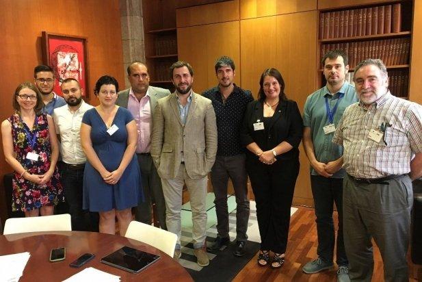 El conseller de Salut, Antoni Comín, amb els representants dels municipis