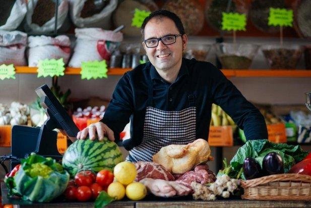 Toni Santos, cuiner i responsable de la botiga del Castell