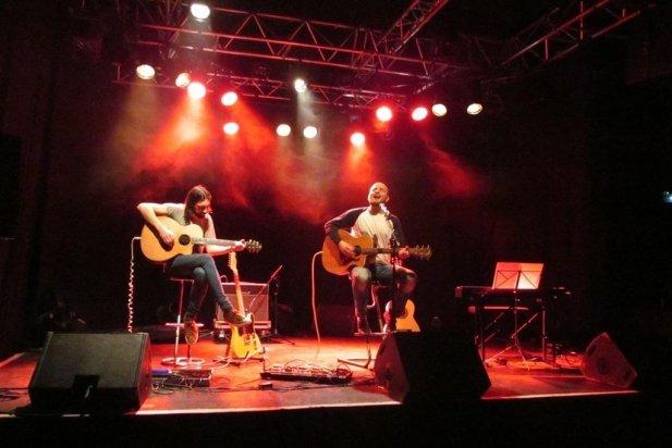 Artur Martí,a la dreta, amb el guitarrista Miguel Àngel Marchal a la sala Châpeau Rouge de Carcassonne