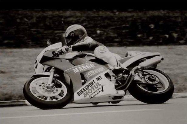 Carlos Kotnik, a sobre de la seva moto