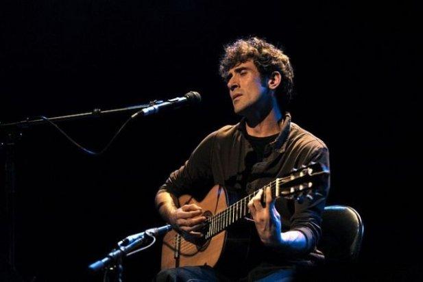 Ferran Savall durant un concert