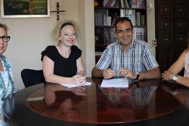 Acte de signatura del conveni amb Catalunya Casas_617x412