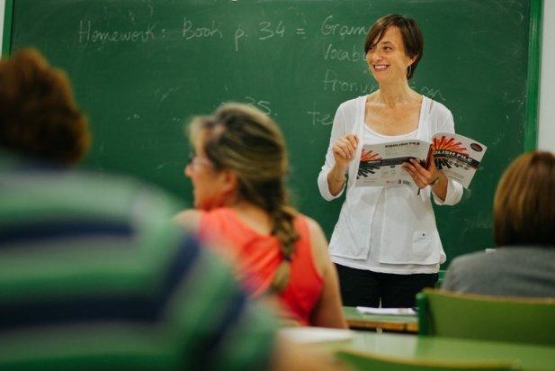 Les classes d'ajut a les mares i pares tindran lloc a l'Escola Municipal d'Adults / Quim Pascual