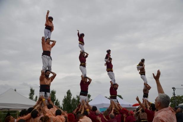 Actuació dels Castellers de Castellar al Papiol. || CEDIDA