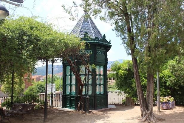 L'emblemàtica glorieta dels Jardins del Palau Tolrà, ja rehabilitada.