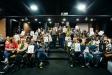 Bona part dels participants al concurs FEM Castellar amb els obsequis aconseguits