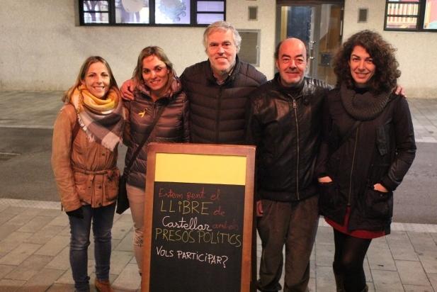 Membres de l'executiva d'ERC Castellar, a la roda de premsa d'aquest dimarts