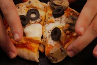 Mini pizza farcida exprés
