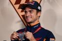 Dani Pedrosa amb la medalla que l'acredita com a un dels millors pilots de la història de MotoGP. || MOTOGP