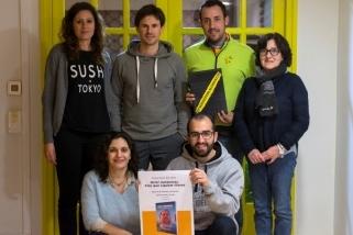 Membres de l'executiva d'ERC i de l'equip que ha elaborat el llibre per als presos polítics - F.MUÑOZ