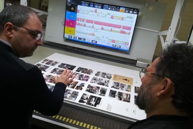 Impressió de la primera plancha de 'Capablanca' a la impremta Liberduple. ||  CEDIDA