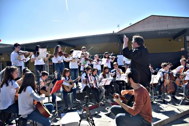 Els alumnes de violoncel, violí, guitarres i pianos - G.Plans