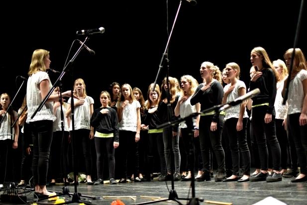 Actuació conjunta del Cor Sant Esteve i l'escola finlandesa Kameleonttikuoro a l'Auditori - G.P