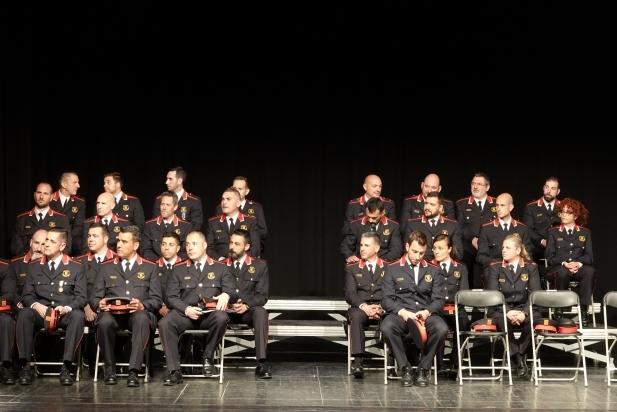 Imatge dels agents que han rebut felicitacions i reconeixement per la seva tasca dins del cos / GEO