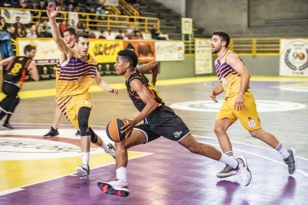 Joelvin Cabrera en el segon partit del play-out a Mataró