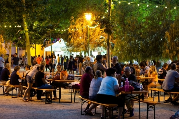 La Nit Embruixada es va fer l'any passat a la plaça Catalunya juntament amb el Tast d'Estiu