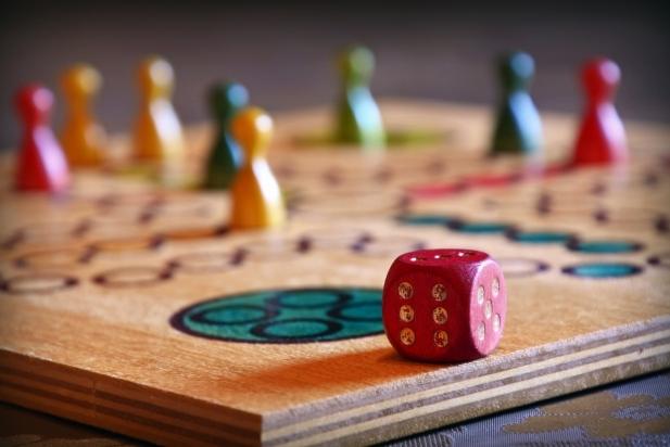 Jocs de taula. || cedida