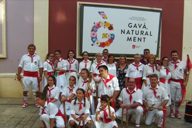 La colla bastonera a Gavà, a la Trobada Nacional de Bastoners. || CEDIDA