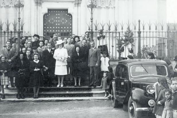 Casament castellarenc (2), 4 de març de 1946. || Fons: Josep M. Ferrer Voltà || Autor: desconegut