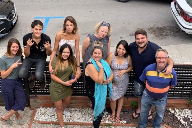 L'equip plurinacional de Catalunya Casas, agència de lloguer temporal de cases, castells i viles de vacances, amb seu a Castellar