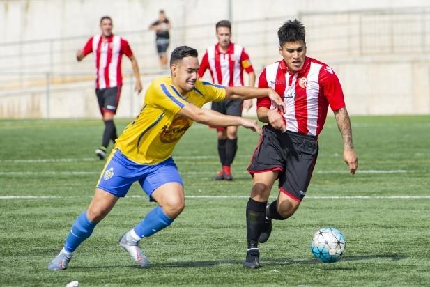 Carlos Saavedra ha anotat el segon gol de la UE Castellar.