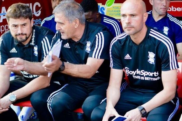 Xavi Calm -a la dreta- juntament amb Clotet i Herrera en un partit del Birmingham City.