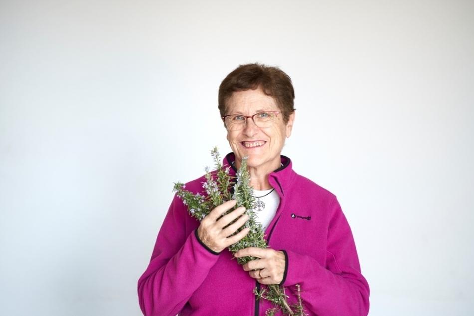Montse Alsina Márquez, professora de plantes medicinals_950x634