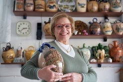 Pepita Francàs, tresorera del Cercle de Col·leccionistes de Castellar