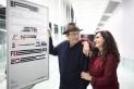 El director del BRAM!, Pere Joan Ventura, i la regidora de Cultura, Joana Borrego, en la presentació del cartell. Q. Pascual