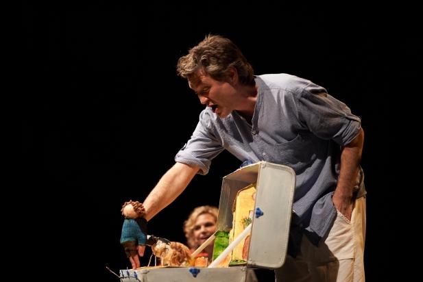 Txell Botey i Xavi Idàñez, en un primer pla de l'actuació. || Q. PASCUAL