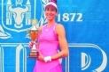 Georgina Garcia amb el trofeu de finalista de Prerov