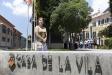 Marga Oncins, a l'entrada del Palau Tolrà el dia de la constitució de l'actual mandat ||Q. Pascual