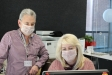 Personal del SAC amb les noves mascaretes translúcides / Cristina Domene