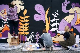 Les Carnera van pintar un mural feminista el dia 6 i 7 de març, a la carretera de Sentmenat , 112. || Q. PASCUAL