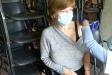 La castellarenca Loli Giner, de 62 anys, s'ha vacunat al centre cívic de Merinals de Sabadell després de rebre un SMS de Salut i concertar cita. || Cedida