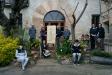 Drets, els germans Jordi, Rosa, Ramon, Montse –al costat de l'arbre genealògic–, Joan amb la seva dona Montse Ribera –a la dreta– i asseguda, Mireia.  Els joves són  Roser i Jan Casamada