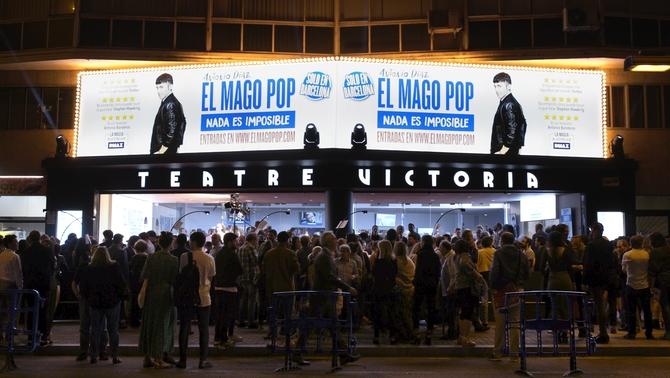 Nit de gran expectació amb l'estrena de 'Nada es impossible' al Teatre Victòria de Barcelona. || TV3