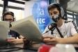 Un grup d'alumnes de l'Institut Castellar han fet el servei comunitari a Ràdio Castellar / C. Díaz