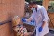 Test d'antígens a un familiar abans d'accedir a les instal·lacions de la residència de Can Font de Castellar - CEDIDA