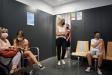Uns adolescents després de vacunar-se al CAP de Castellar, en la marataó de vacunació del passat 12 de setembre ||Q. Pascual