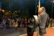 El coordinador de l'ANC de Castellar, Alfred Rius, durant la lectura del manifest el vespre de divendres als Jardins del Palau Tolrà - R.G.
