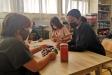 L'auxiliar de conversa en anglès aquest dimecres a l'escola Emili Carles-Tolrà
